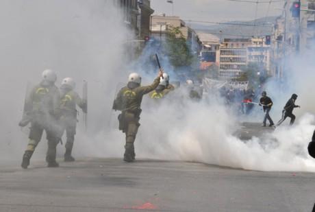 460 0   30 0 0 0 0 0 1650355 Полицейская жестокость в Афинах